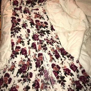 Brand new- American eagle floral skirt